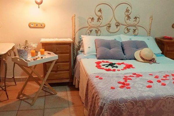 monfrague-casa-rural-alojamiento-1-1024x485